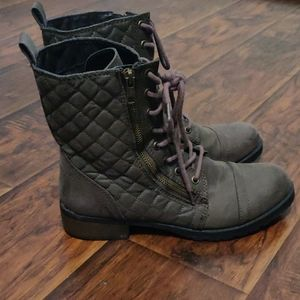 Shoes - Dark grey boots